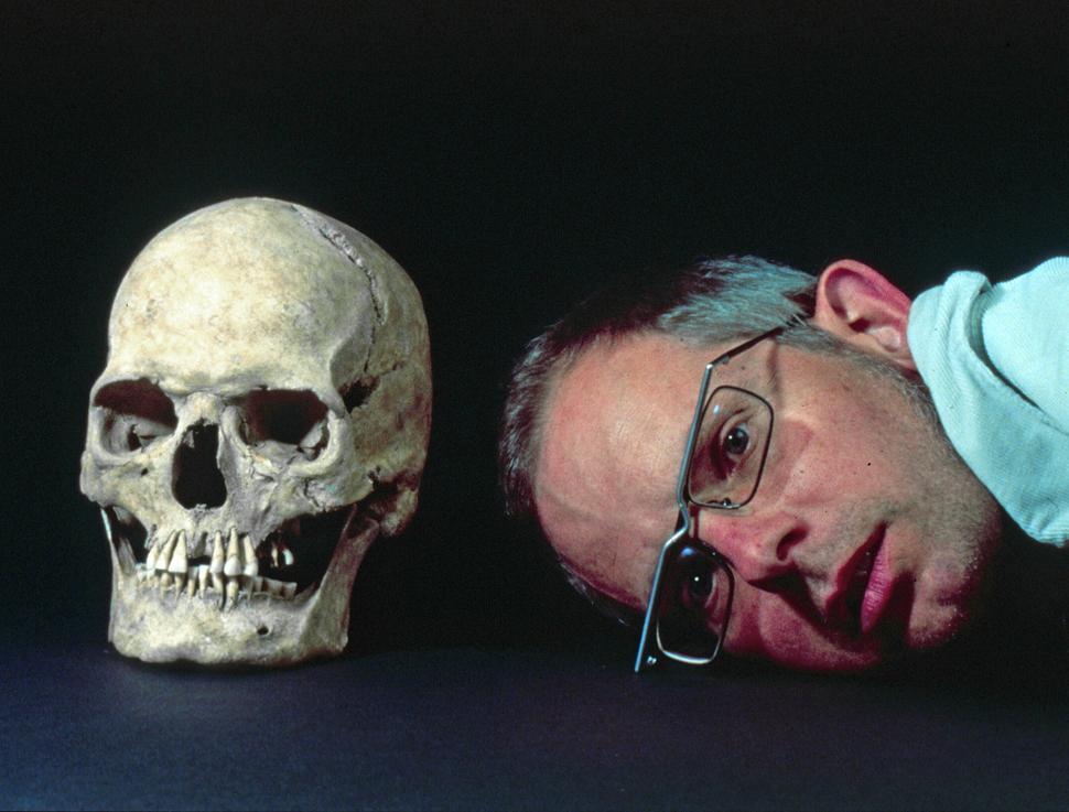Portrait mit Schädel